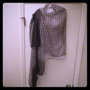 NWT Women's Black and White Infinity Scarf